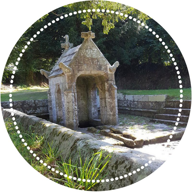 La fontaine Saint Sylvestre à Plouzélambre, coin secret du Trégor