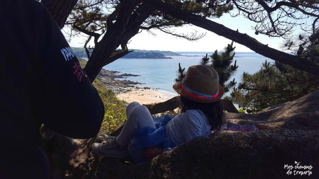 point de vue caché sur la plage de Beg Leguer