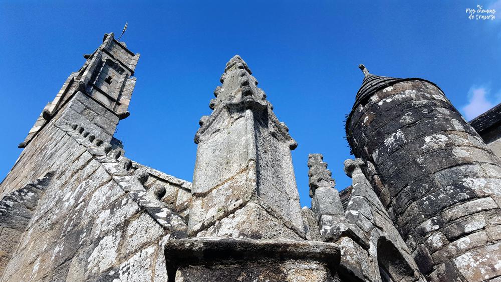 clochetons ouvragés de l'église Saint Ivy à Lannion