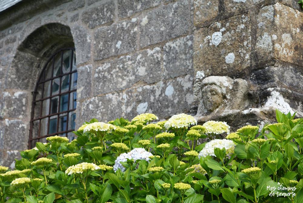 joli détail de la chapelle Saint Cado à Ploumilliau, Trégor, Bretagne