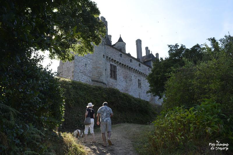 balade au pied du chateau de La Roche Jagu