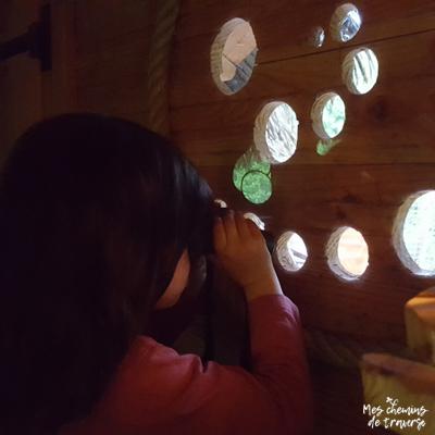 séance observation ornithologique depuis la cabane du jardin de pierre