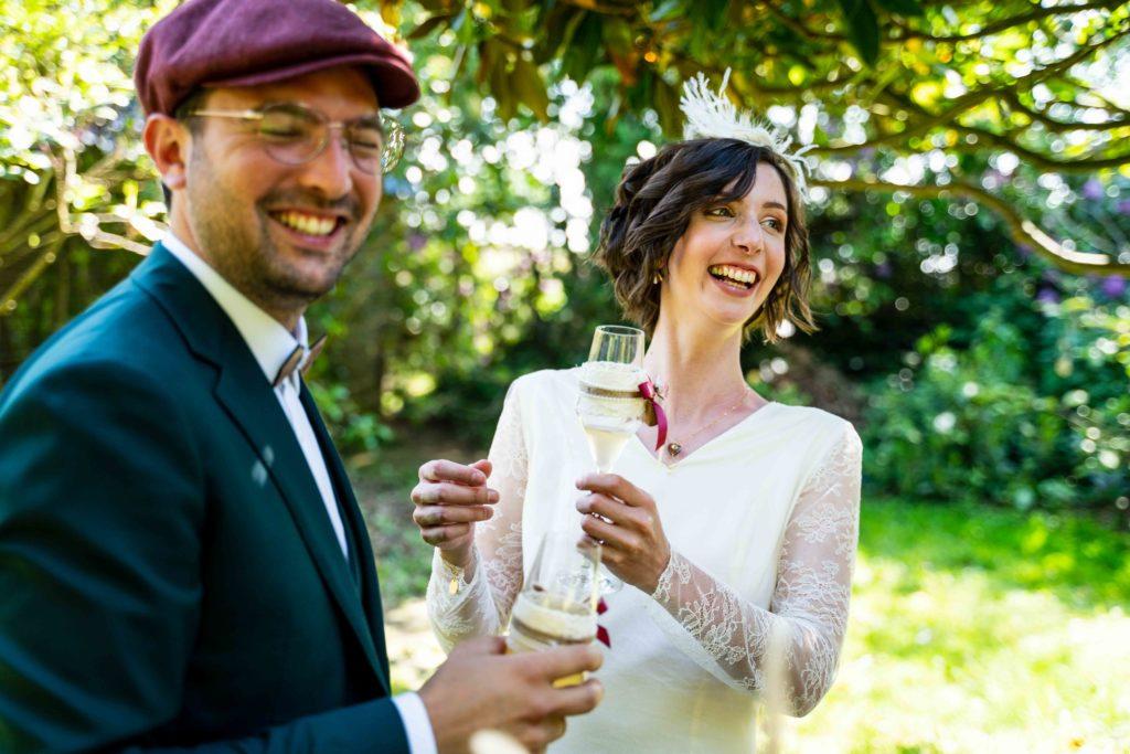 Les mariés au vin d'honneur