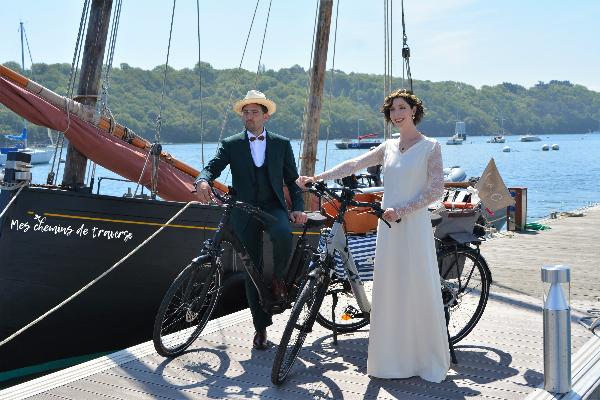 mariés à vélo port de lézardrieux